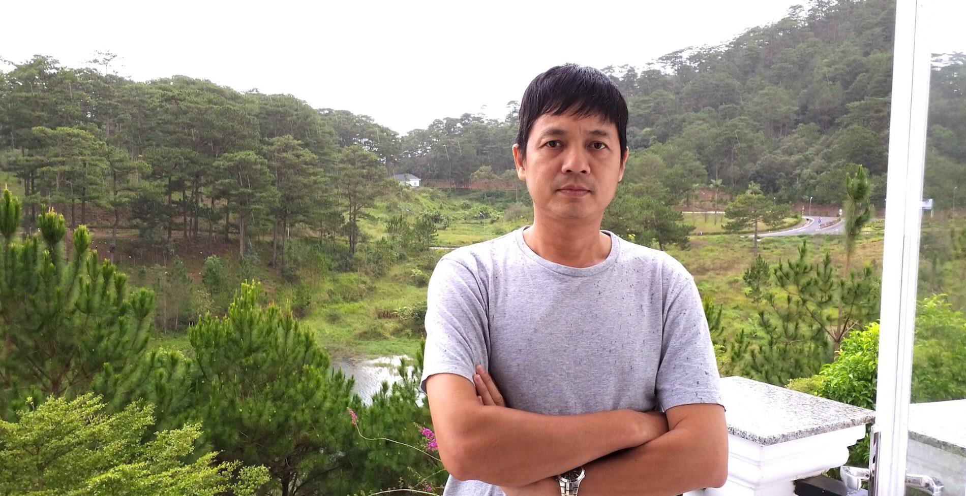 """""""Thầy giáo"""" Phạm Trung Toàn với 23 năm kinh nghiệm bảo dưỡng cho dòng máy bay Boeing của VNA. (Ảnh: NVCC)."""