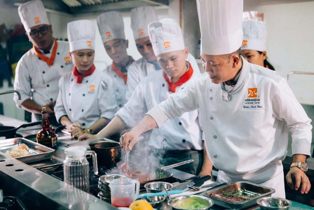 Học nghề bếp, làm bánh tại Hướng nghiệp Á Âu